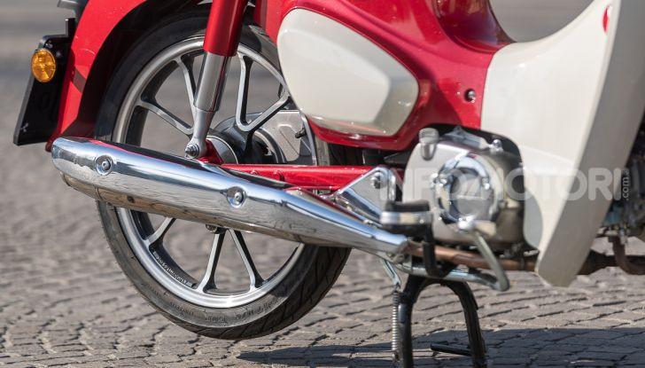 Prova Honda Super Cub C125: caratteristiche, opinioni e prezzi - Foto 27 di 59
