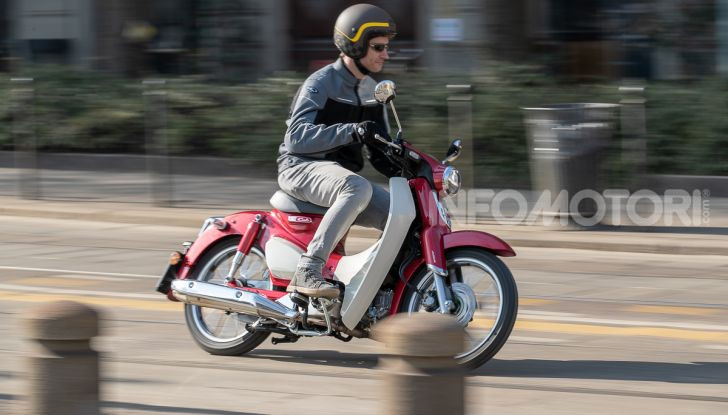 Prova Honda Super Cub C125: caratteristiche, opinioni e prezzi - Foto 44 di 59