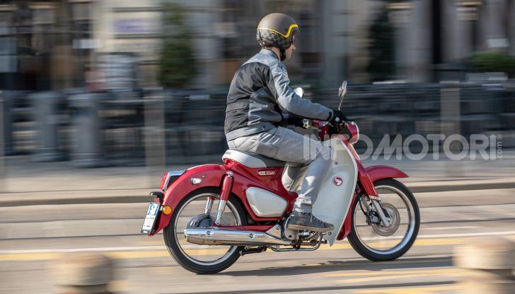 Prova Honda Super Cub C125: caratteristiche, opinioni e prezzi - Foto 45 di 59