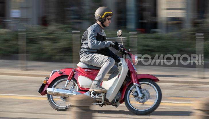 Prova Honda Super Cub C125: caratteristiche, opinioni e prezzi - Foto 49 di 59
