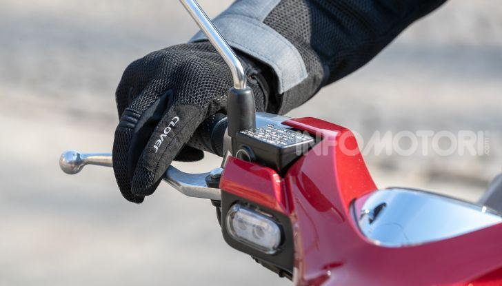 Prova Honda Super Cub C125: caratteristiche, opinioni e prezzi - Foto 57 di 59