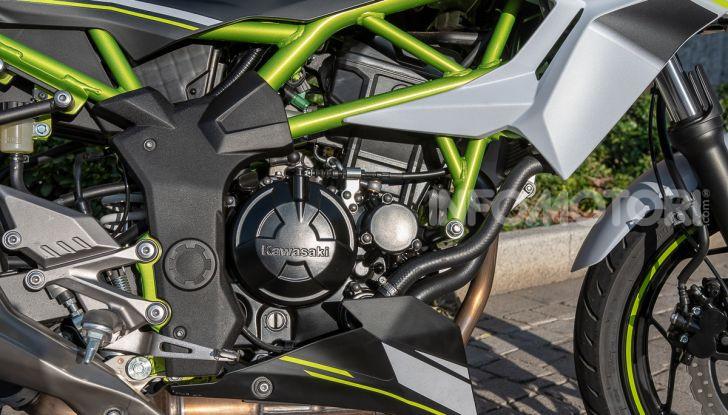 Kawasaki Z125 MY 2019: caratteristiche, opinioni e prezzo - Foto 13 di 43