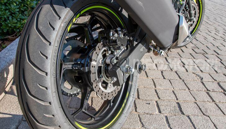 Kawasaki Z125 MY 2019: caratteristiche, opinioni e prezzo - Foto 17 di 43