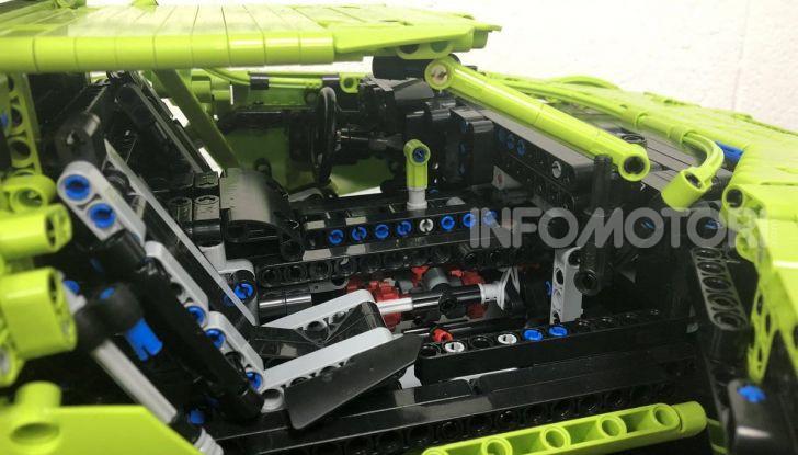 Lancia Stratos LEGO Technic con pezzi del kit 911 GT3 RS - Foto 5 di 6