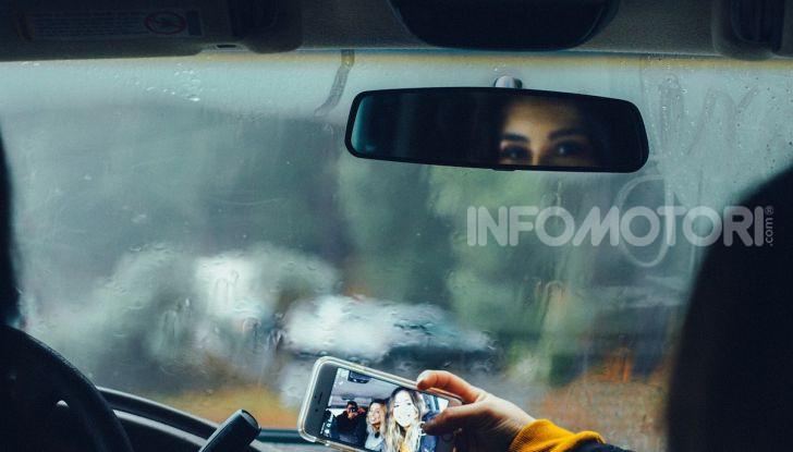 Mal d'auto: rimedi alla cinetosi e alla nausea in macchina - Foto 2 di 9