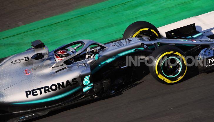 F1 2019: svelata la nuova Mercedes W10 - Foto 1 di 12