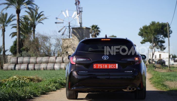 Nuova Toyota Corolla motori, prezzi e prova su strada - Foto 16 di 17