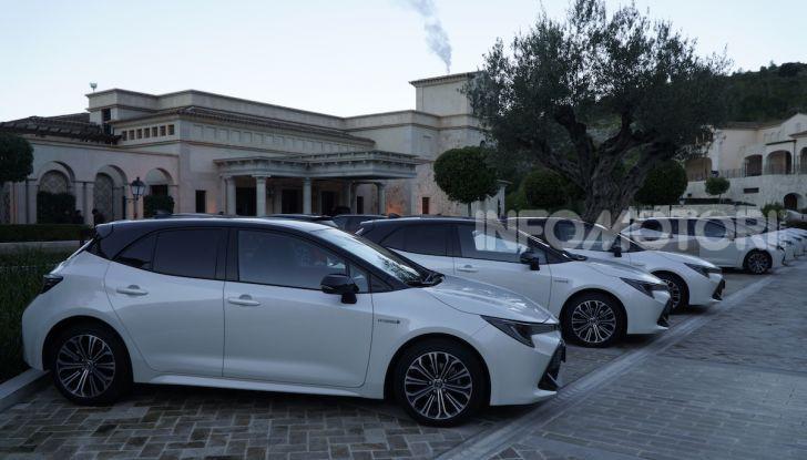 Nuova Toyota Corolla motori, prezzi e prova su strada - Foto 3 di 17