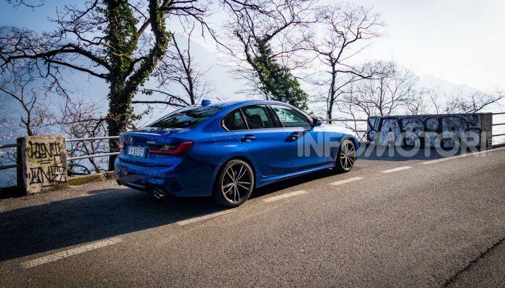 Nuova BMW Serie 3 2019, prova in anteprima, caratteristiche e prezzi - Foto 33 di 38