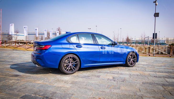 Nuova BMW Serie 3 2019, prova in anteprima, caratteristiche e prezzi - Foto 35 di 38