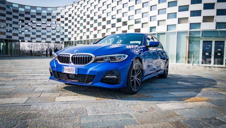 Nuova BMW Serie 3 2019, prova in anteprima, caratteristiche e prezzi - Foto 36 di 38