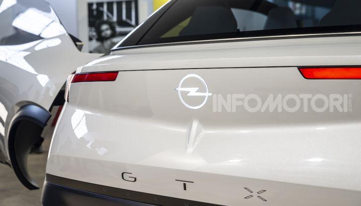 Opel GT X Experimental, il futuro secondo Opel - Foto 13 di 19