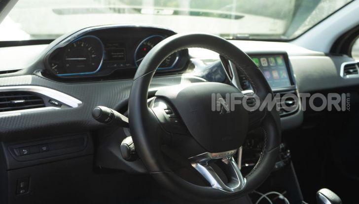 Prova nuova Peugeot 2008: il 110CV a benzina per correre in città - Foto 16 di 25