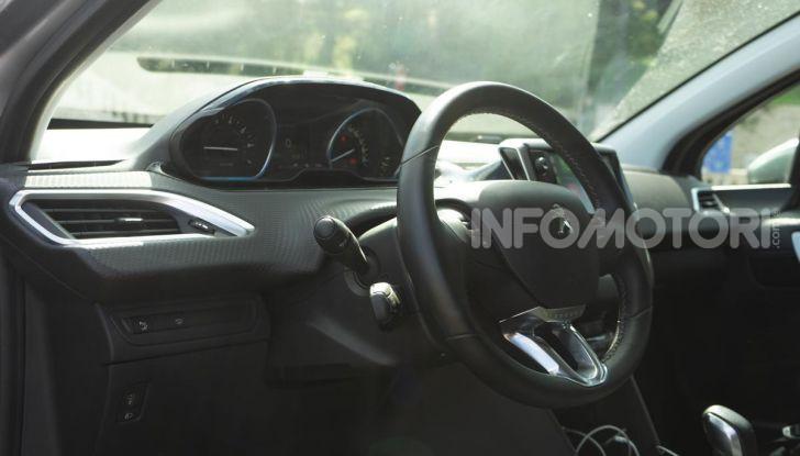Prova nuova Peugeot 2008: il 110CV a benzina per correre in città - Foto 17 di 25