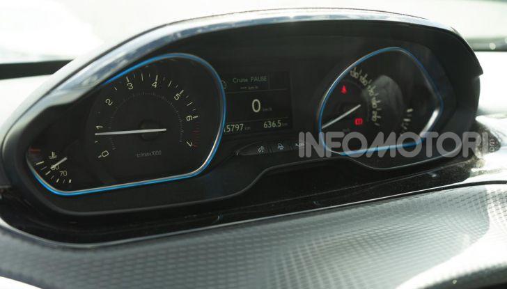 Prova nuova Peugeot 2008: il 110CV a benzina per correre in città - Foto 18 di 25