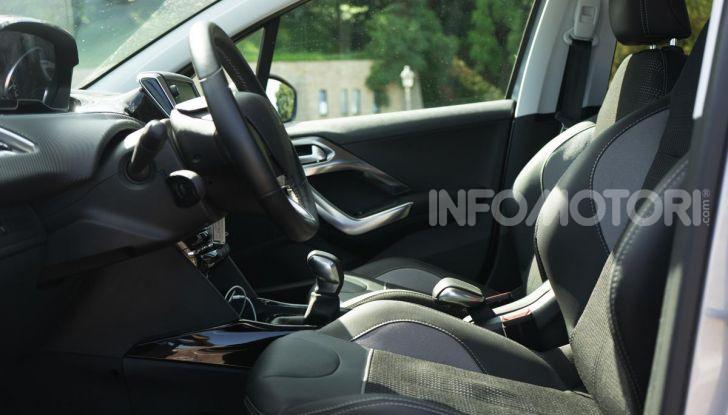 Prova nuova Peugeot 2008: il 110CV a benzina per correre in città - Foto 24 di 25
