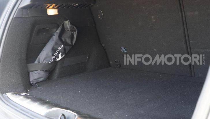 Prova nuova Peugeot 2008: il 110CV a benzina per correre in città - Foto 25 di 25