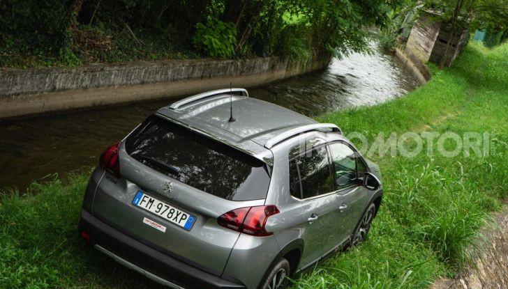 Prova nuova Peugeot 2008: il 110CV a benzina per correre in città - Foto 9 di 25