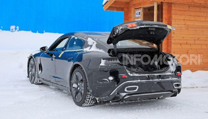Porsche Taycan, questo il nome della 100% elettrica Mission E - Foto 11 di 38