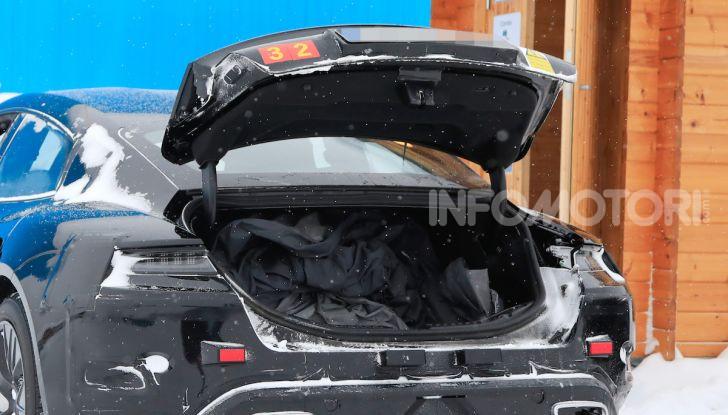 Porsche Taycan, questo il nome della 100% elettrica Mission E - Foto 12 di 38