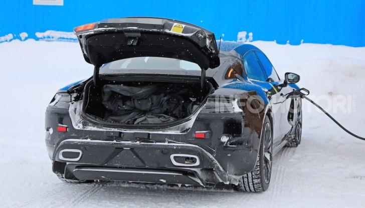 Porsche Taycan, questo il nome della 100% elettrica Mission E - Foto 15 di 38