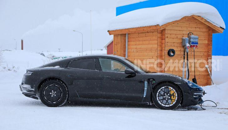 Porsche Taycan, questo il nome della 100% elettrica Mission E - Foto 17 di 38