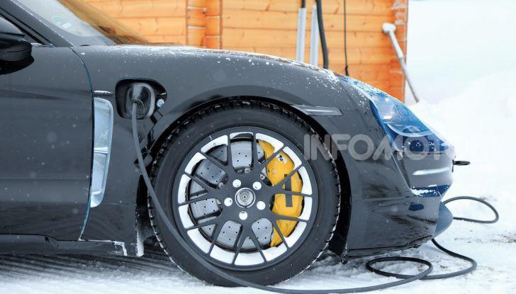 Porsche Taycan, questo il nome della 100% elettrica Mission E - Foto 18 di 38