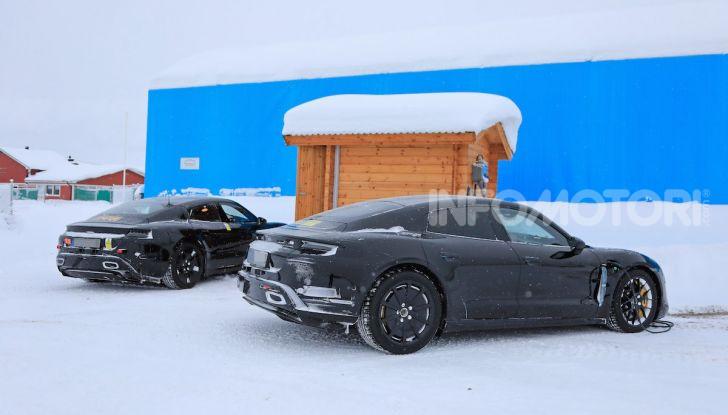 Porsche Taycan, questo il nome della 100% elettrica Mission E - Foto 20 di 38