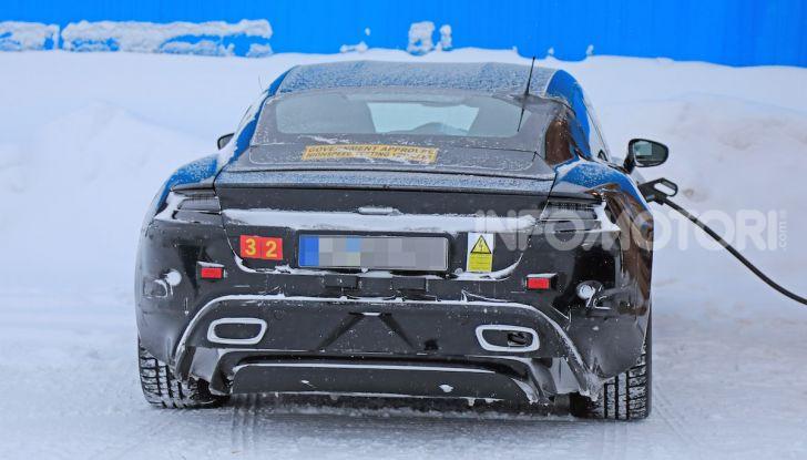 Porsche Taycan, questo il nome della 100% elettrica Mission E - Foto 22 di 38