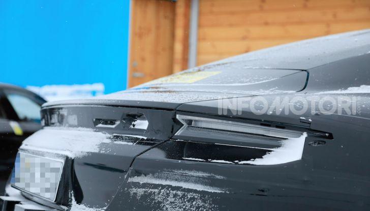 Porsche Taycan, questo il nome della 100% elettrica Mission E - Foto 24 di 38