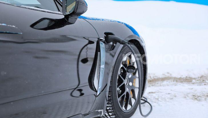 Porsche Taycan, questo il nome della 100% elettrica Mission E - Foto 30 di 38