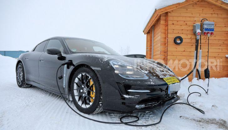 Porsche Taycan, questo il nome della 100% elettrica Mission E - Foto 31 di 38