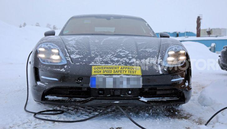 Porsche Taycan, questo il nome della 100% elettrica Mission E - Foto 32 di 38