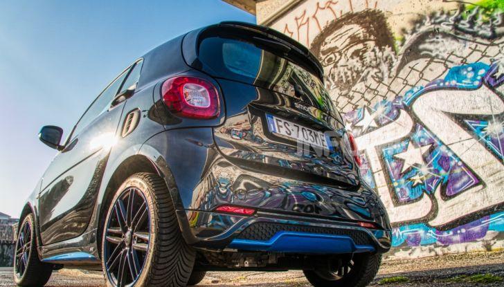 Daimler e Geely Holding, joint venture globale per sviluppare il marchio smart - Foto 1 di 53