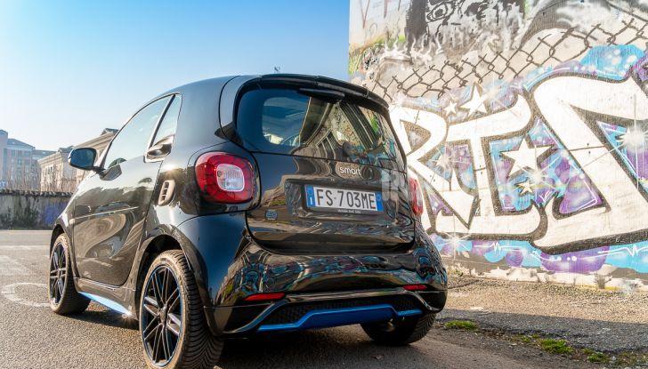 Daimler e Geely Holding, joint venture globale per sviluppare il marchio smart - Foto 10 di 53