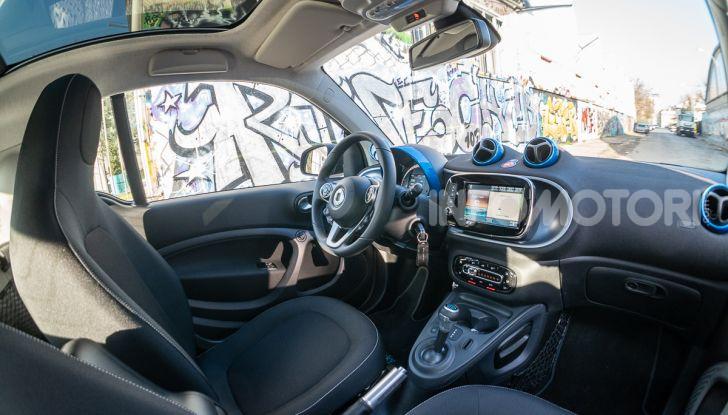 Daimler e Geely Holding, joint venture globale per sviluppare il marchio smart - Foto 30 di 53