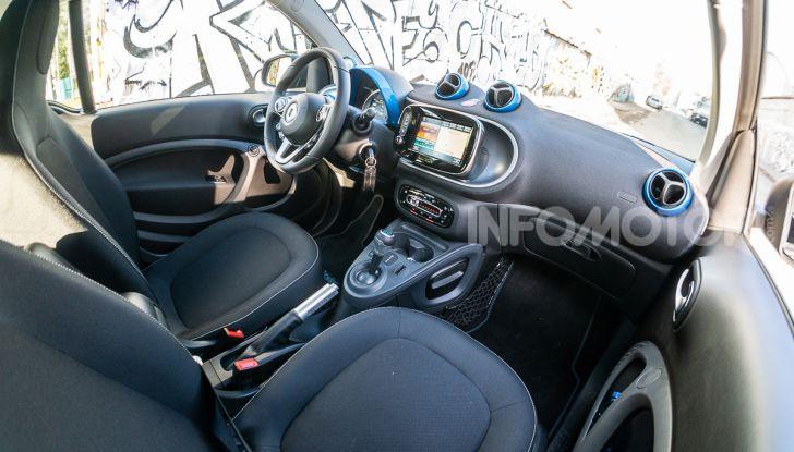 Daimler e Geely Holding, joint venture globale per sviluppare il marchio smart - Foto 32 di 53