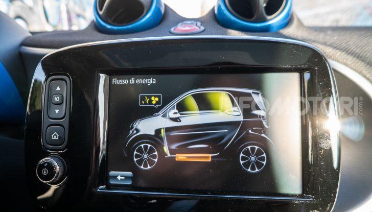 Daimler e Geely Holding, joint venture globale per sviluppare il marchio smart - Foto 35 di 53