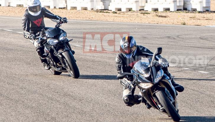 Triumph Daytona 765 2020: la sportiva di Hinckley torna con la MotoGP - Foto 1 di 3