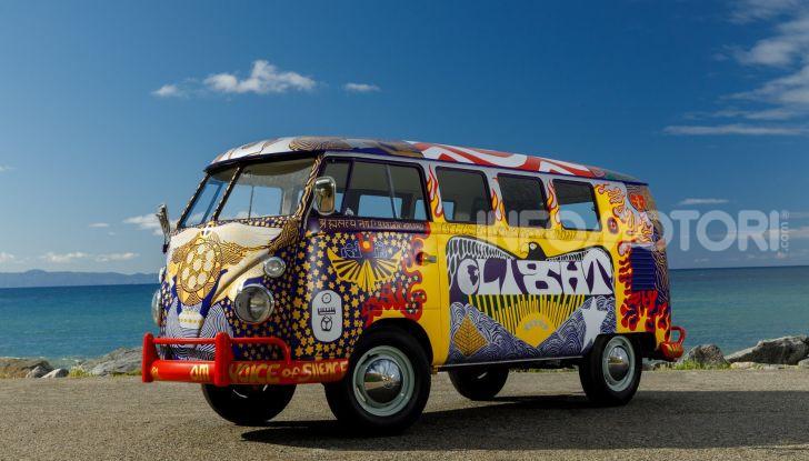 Volkswagen Bulli Light, replica dell'icona di Woodstock - Foto 1 di 20