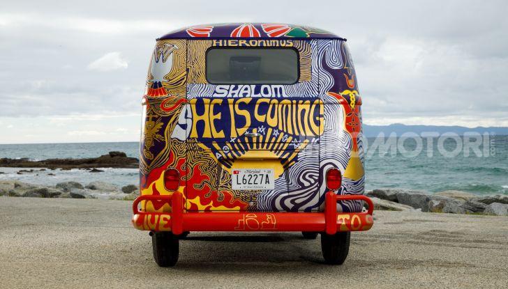 Volkswagen Bulli Light, replica dell'icona di Woodstock - Foto 17 di 20