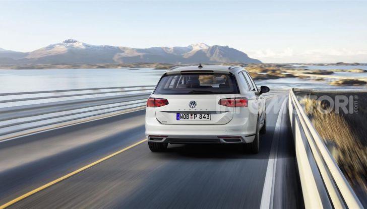 Volkswagen Passat 2019, nuovo design e motori - Foto 10 di 32