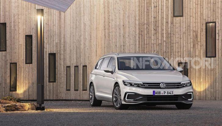 Volkswagen Passat 2019, nuovo design e motori - Foto 24 di 41