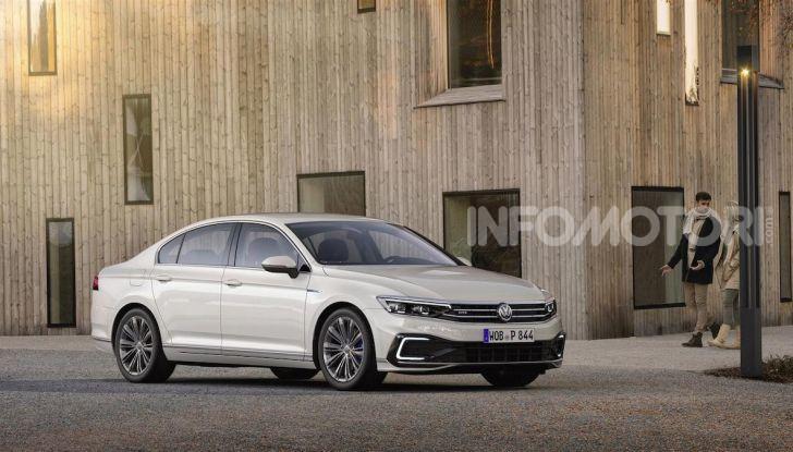 Volkswagen Passat 2019, nuovo design e motori - Foto 17 di 32