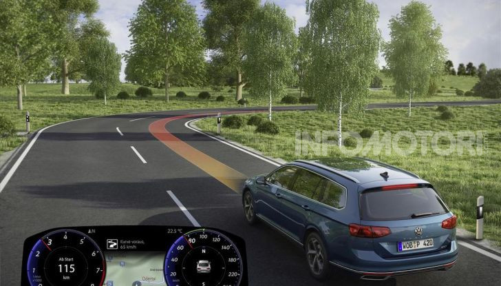 Volkswagen Passat 2019, nuovo design e motori - Foto 36 di 41