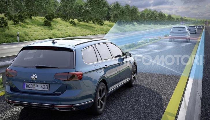 Volkswagen Passat 2019, nuovo design e motori - Foto 37 di 41