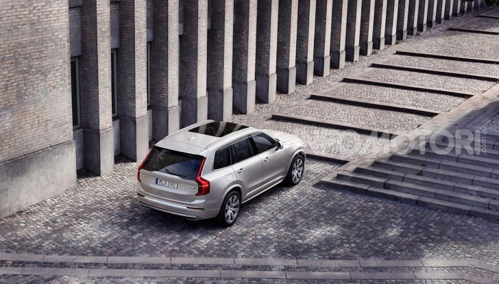 Volvo XC90: il SUV svedese è tutto nuovo - Foto 10 di 30