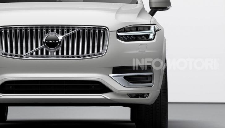 Volvo XC90: il SUV svedese è tutto nuovo - Foto 18 di 30