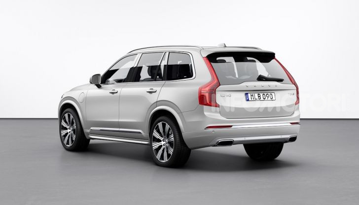 Volvo XC90: il SUV svedese è tutto nuovo - Foto 19 di 30