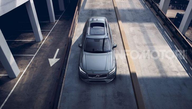 Volvo XC90: il SUV svedese è tutto nuovo - Foto 2 di 30